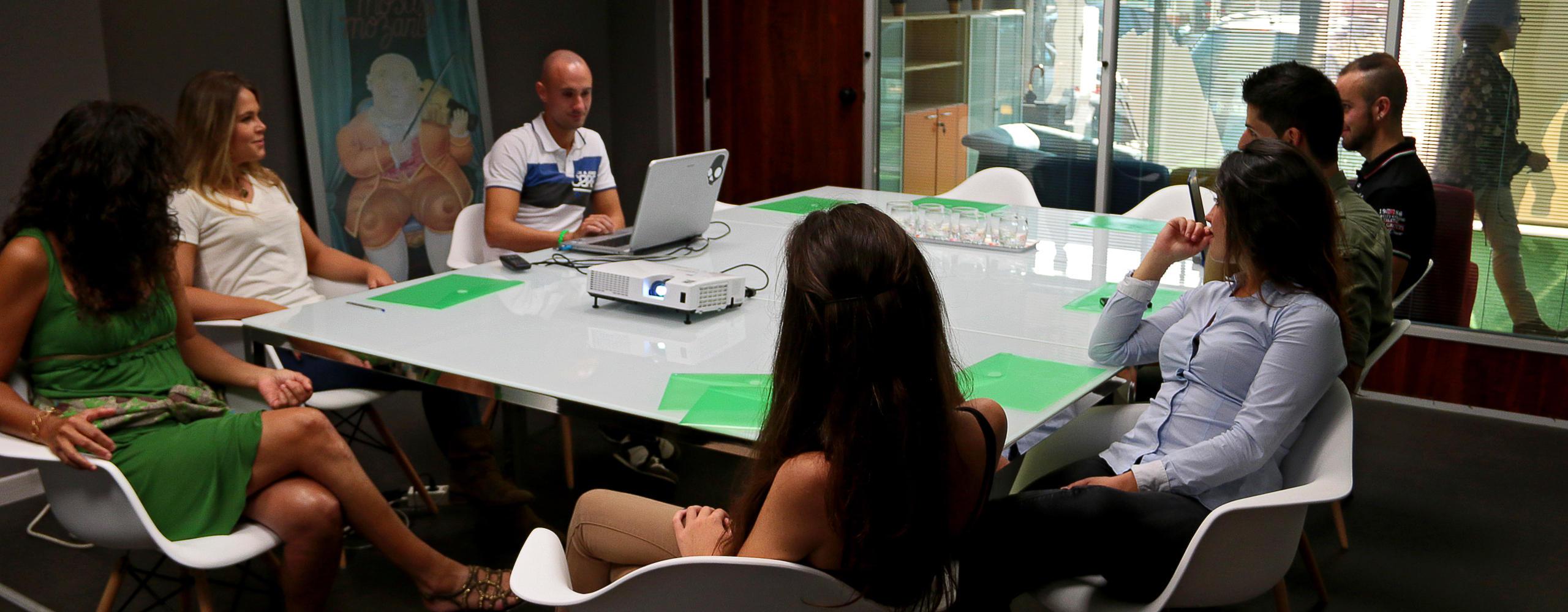 Coworking Orixe22 reunión en sala 1